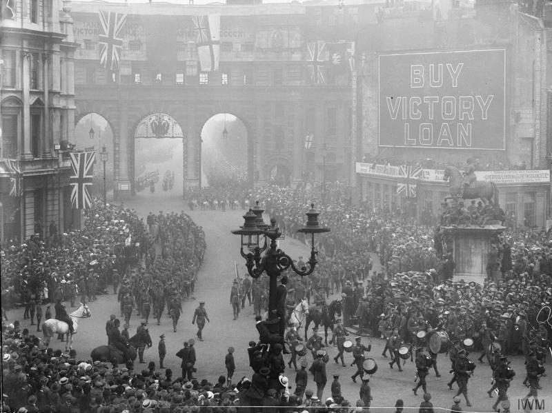 The 18th Battalion, London Regiment (London Irish Rifles) marching from Buckingham Palace to the Tower, 5th July 1919. Imperial war Museum image Q31324