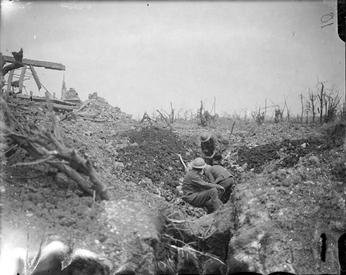 The Battle of the Somme. Men of the Worcestershire Regiment of 48th (South Midland) Division  digging a trench near Ovillers in July 1916. From the Ministry of Information First World War Official Collection at the Imperial War Museum, copyright image Q3986,with my thanks.