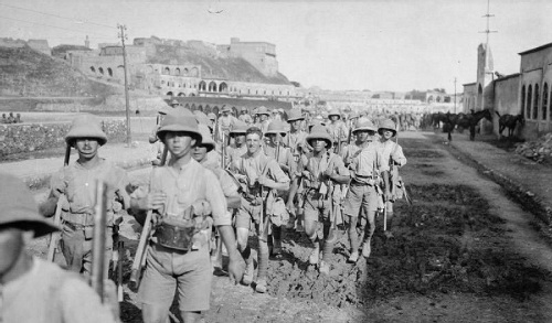 British troops of the 13th (Western) Division entering Kirkuk in northern Iraq, 7 May 1918. From the Ministry of Information First World War Official Collection at the Imperial War Museum, copyright image IWM Q24682,with my thanks.
