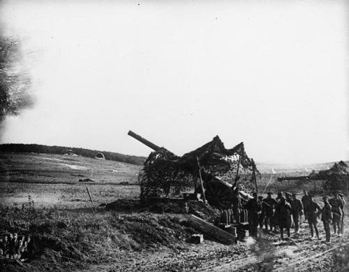 A camouflaged British 6 inch Mark 7 Field Gun in action near Hargicourt, 1 October 1918. From the Australian First World War Official Exchange Collection at the Imperial War Museum, copyright image IWM E(AUS)3549,with my thanks.